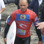 Kelly Slater, suiting the red shirt in Arica, Chile 2007 (Andy Irons won that one)